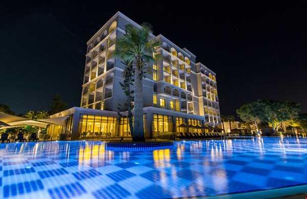 Aurum Moon Resort
