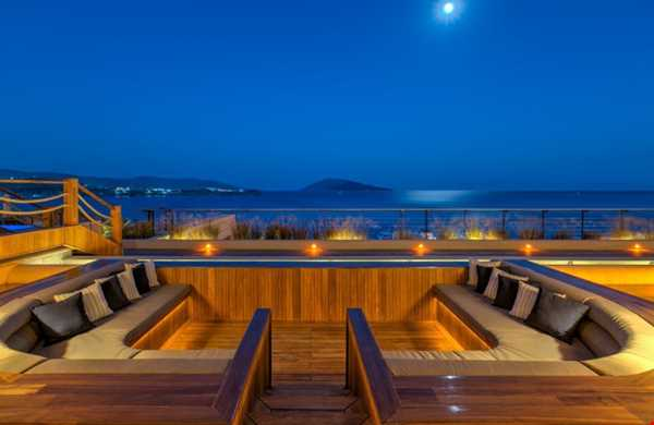 Caresse a Luxury Collection Resort Spa