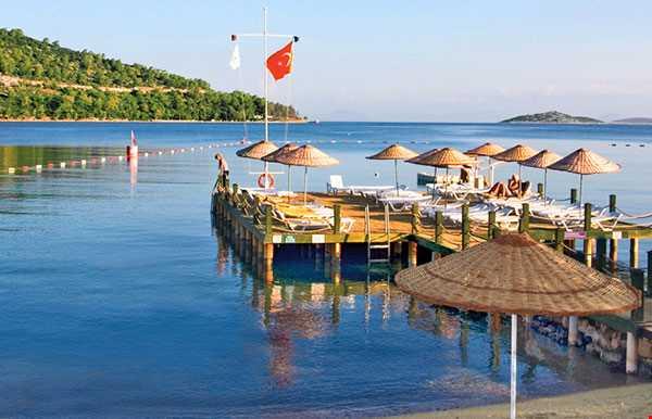 İzer Hotel Beach Club