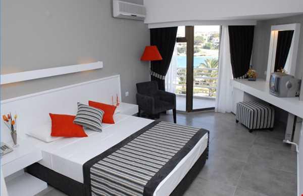 Ladin Hotel